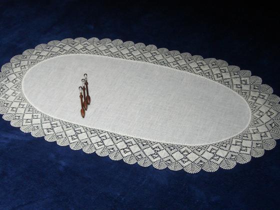 Torchon Oval © Helena Demeyer-Fransens